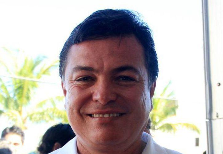Juan Carlos González Hernández pronostica un buen futuro para Cozumel con el nuevo alcalde. (Redacción/SIPSE)