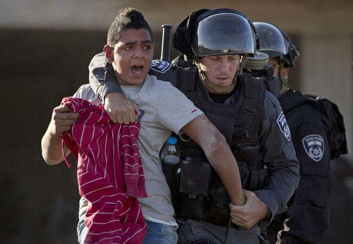 En Jerusalén se han registrado varios enfrentamientos por el control de una mezquita. (AP)