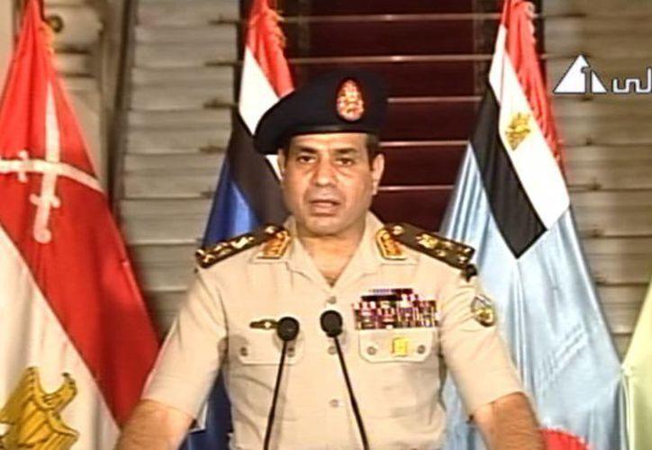 Los militares aseguraron que se convocará a elecciones para sustituir al depuesto presidente Morsi. (Agencias)