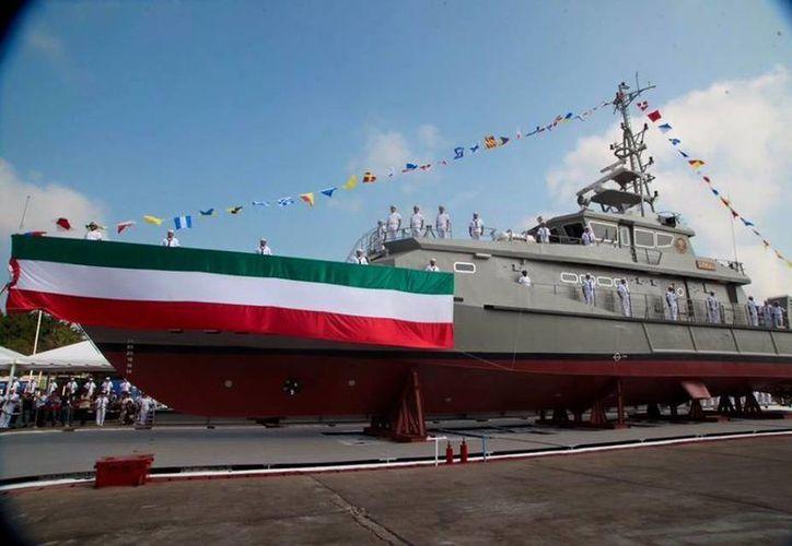 El buque cuenta con casi 43 metros de largo y 239 toneladas de peso. (Sedesol/Facebook)
