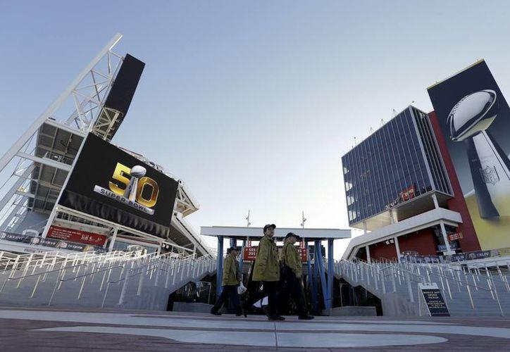 Broncos de Denver, el equipo con la mejor ofensiva de la NFL se enfrenta a la mejor defensiva: Panteras de Carolina, este domingo en el Súper Tazón 50. (Milenio Digital)