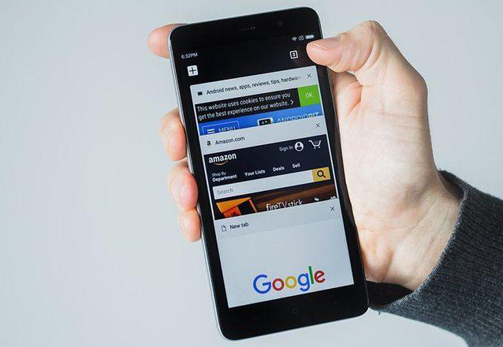 La función de Chrome permite elegir algunas páginas y las descarga  cuando está conectada a internet. (Foto: Contexto)