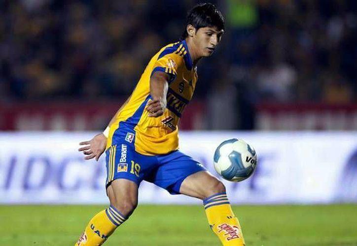 Alan Pulido asegura que este 2014 venció su contrato con Tigres de la UANL. (Facebook)