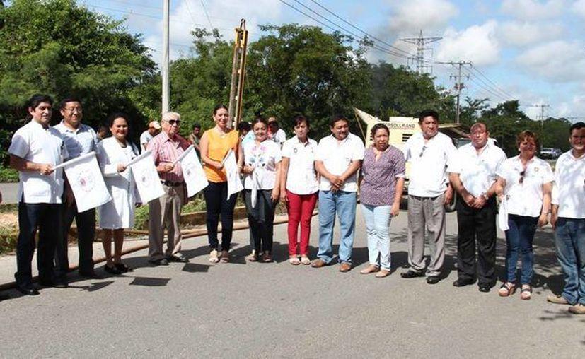 Este fin de semana dieron inicio obras de iluminación y de ampliación de red de agua potable en Valladolid. (Fotos cortesía del Gobierno)