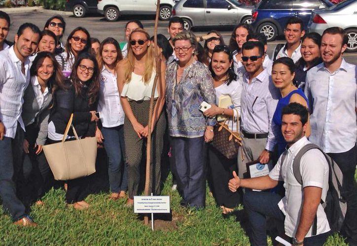 El evento se realizó en la Universidad Anáhuac campus Cancún. (Jesús Tijerina/SIPSE)
