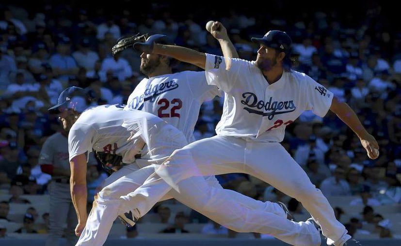 Dodgers supera a Nacionales y obligan a quinto juego de playoffs de Grandes Ligas. En la foto, el lanzador Clayton Kershaw. (AP)