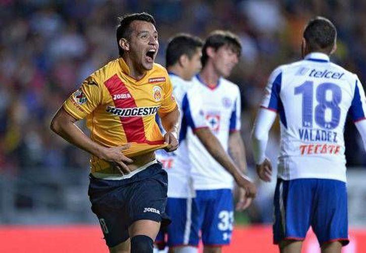 Daniel Arreola hizo uno de los tantos de Morelia, que ganó 2-0 a Cruz Azul en la Liga MX. (mexsport.com)