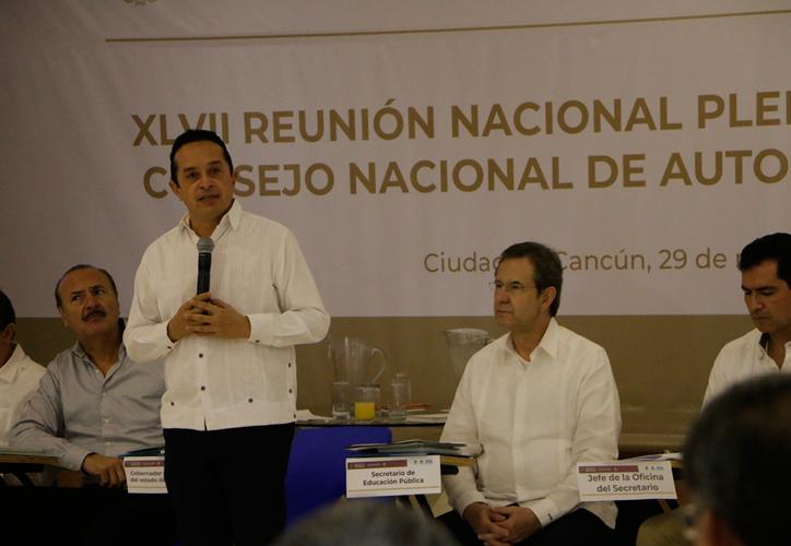 Carlos Joaquín dijo que aceptará la invitación de Esteban Moctezuma, para participar en la convocatoria de Microsoft. (Paola Chiomante/SIPSE)
