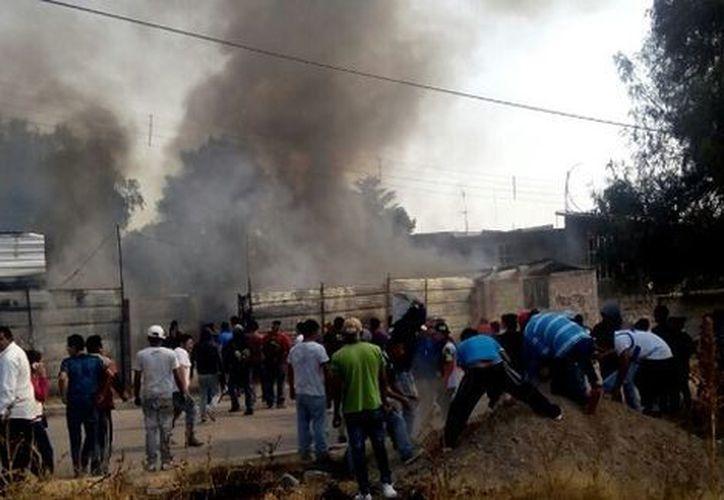 Las autoridades y los servicios de emergencia arribaron de forma inmediata al lugar  para la atención de las posibles víctimas. (Foto: Milenio)