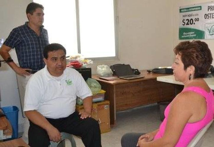 Las pruebas densimetría ósea tienen un costo de recuperación de 20 pesos. (Archivo/SIPSE)