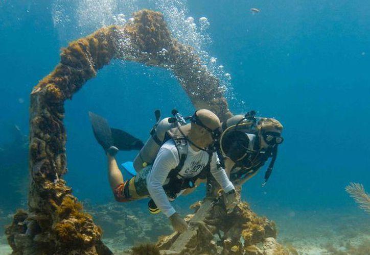 La idea es presentar las bodas submarinas como otro atractivo que ofrece el destino turístico. (Cortesía/MUSA)