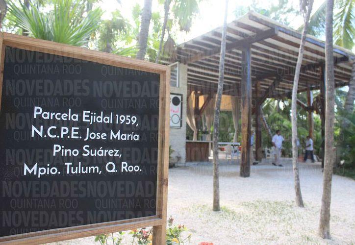 En la  parcela número 1959, opera el hotel ahora denominado Coco Ltd. (Sara Cauich/SIPSE)