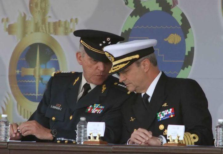 Los secretarios de Defensa y Marina, general Salvador Cienfuegos Zepeda y almirante Vidal Francisco Soberón Sanz, en imagen de archivo. (Notimex)