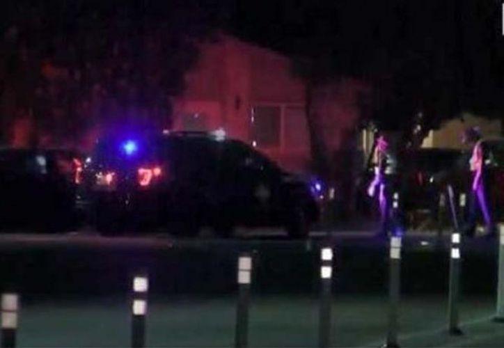"""El tiroteo ocurrió cuando los agentes respondieron a una """"llamada urgente"""".(CBSNEWS)"""
