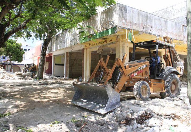 Las demoliciones se realizan en diferentes zonas de la ciudad. (Tomás Álvarez/SIPSE)