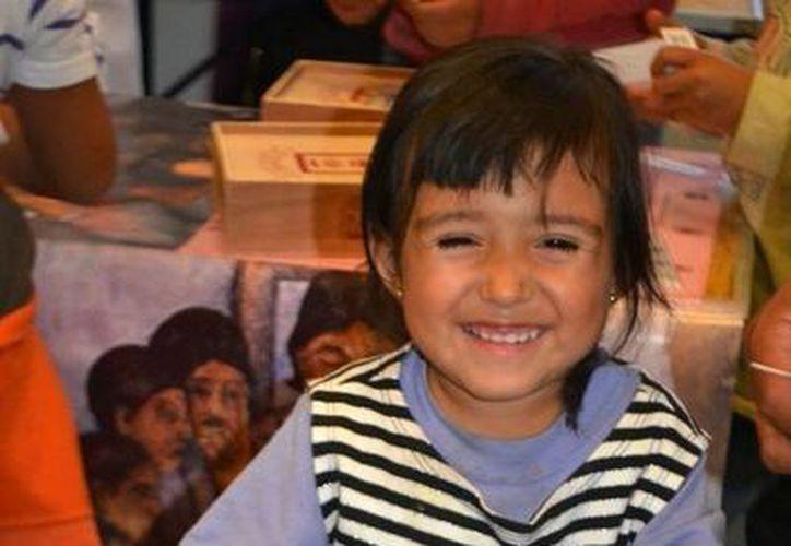 Dentro de su participación Quintana Roo ofreció una extraordinaria cantidad de libros para regalar, consultar y vender. (Redacción/SIPSE)