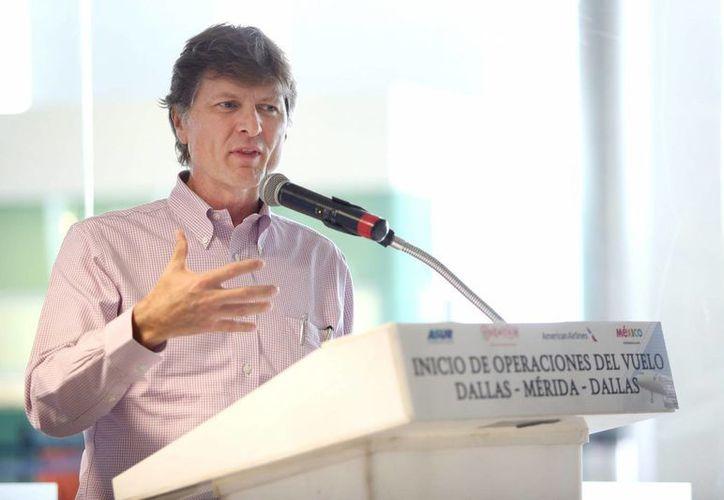 Enrique de la Madrid Cordero, nombrado en Yucatán nuevo presidente de la Comisión Regional del Mundo Maya. (Notimex)