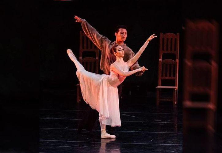 El Centro Estatal de Bellas Artes creó a través de su directora, Rita Castro Gamboa, el Ballet de Cámara especializado en danza clásica. (SIPSE)