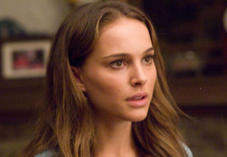 De aceptar aparecer en el filme sobre Steve Jobs, Natalie Portman compartiría créditos con Michael Fassbender. (shalomlife.com/Foto de archivo)