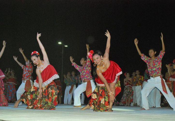 Durante los siete días de festejo se presentaron diversas actividades culturales en los municipios de Quintana Roo. (Foto/Internet)