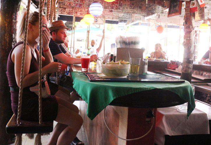 Los restaurantes participan en el programa de descuentos para la gente local. (Octavio Martínez/SIPSE)