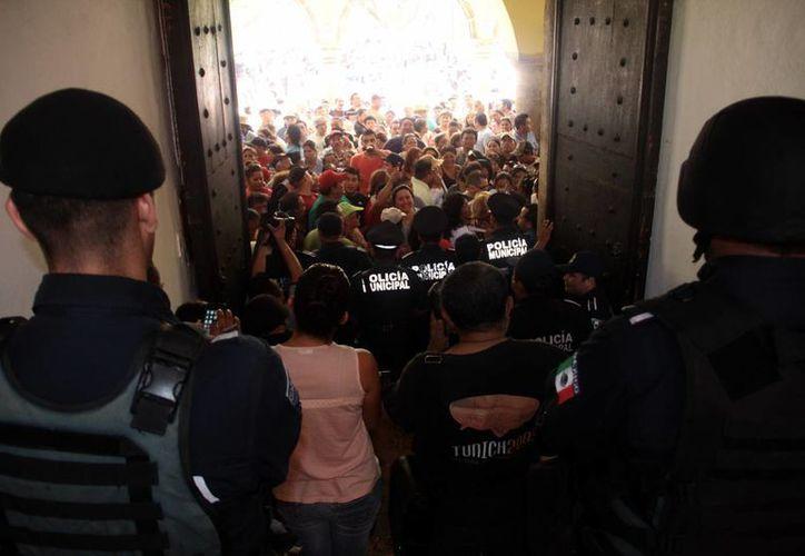 Tras una protesta de tianguistas, la Comuna cedió y finalmente cobrará solo $10 pesos a cada uno de ellos por metro cuadrado. (SIPSE)