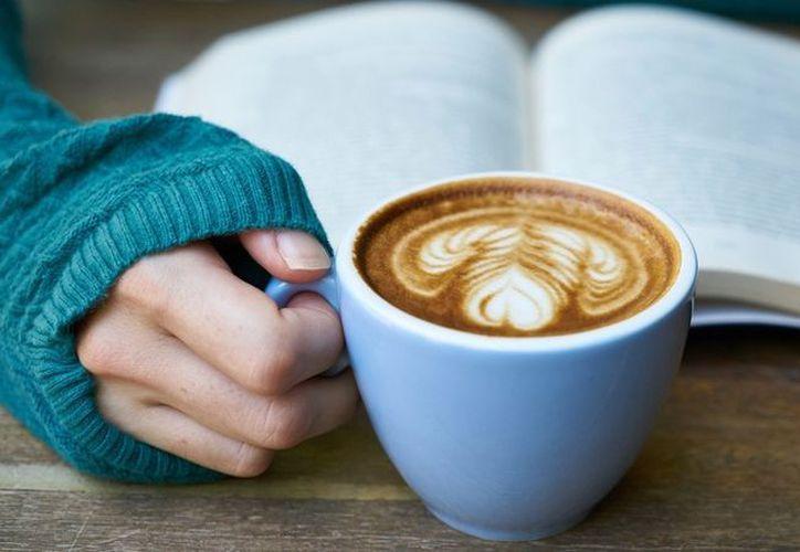 Los productos con alto contenido de calorías o cafeína o bajos en nutrición ya están restringidos o prohibidos en las escuelas. (RT)
