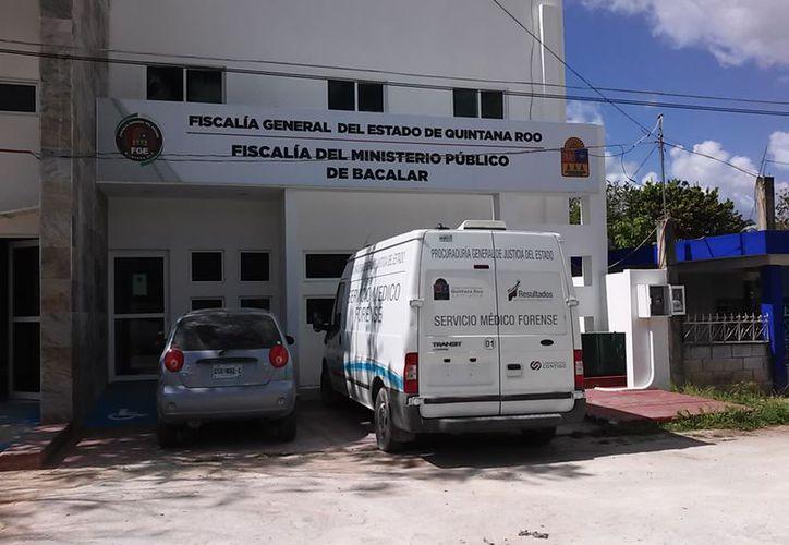 Autoridades continuaron con las investigaciones mientras que los cuerpos fueron trasladados al Servicio Médico Forense, para la necropsia de ley. (SIPSE)