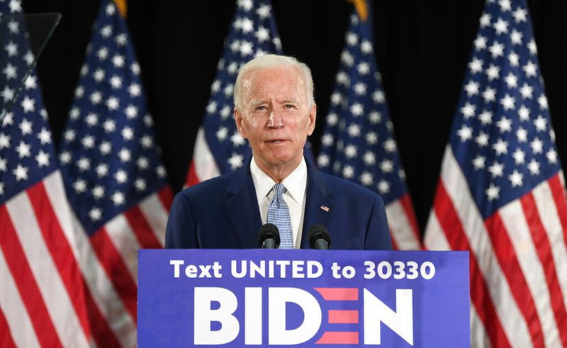 El candidato presidencial demócrata Joe Biden pronuncia un discurso durante un acto en Dover, Delaware. (AP Foto/Susan Walsh)