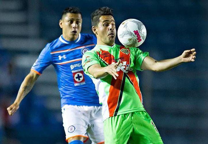 Cruz Azul venció a Bravos de Júarez, con dos anotaciones de Joffre Guerrón y uno de Víctor Zúñiga. (Foto tomada de Futbol Total)