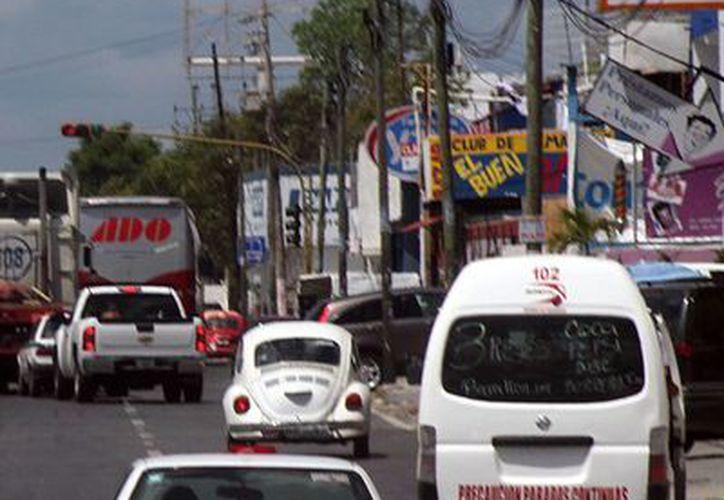 Vigilan los espectaculares del centro de la ciudad, y de los bulevares Kukulcán y Luis Donaldo Colosio. (Sergio Orozco/SIPSE)