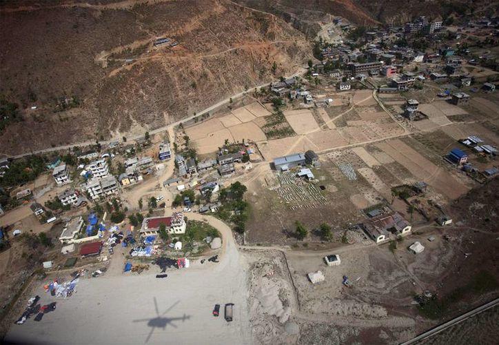 El gobierno de Nepal indica que la ayuda humanitaria que ha llegado al país continúa siendo insuficiente. (EFE)