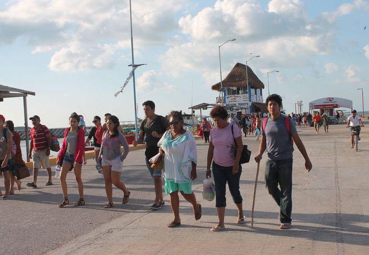 El fin de semana se notó el arribo de una gran cantidad de visitantes. (Gloria Poot/SIPSE)
