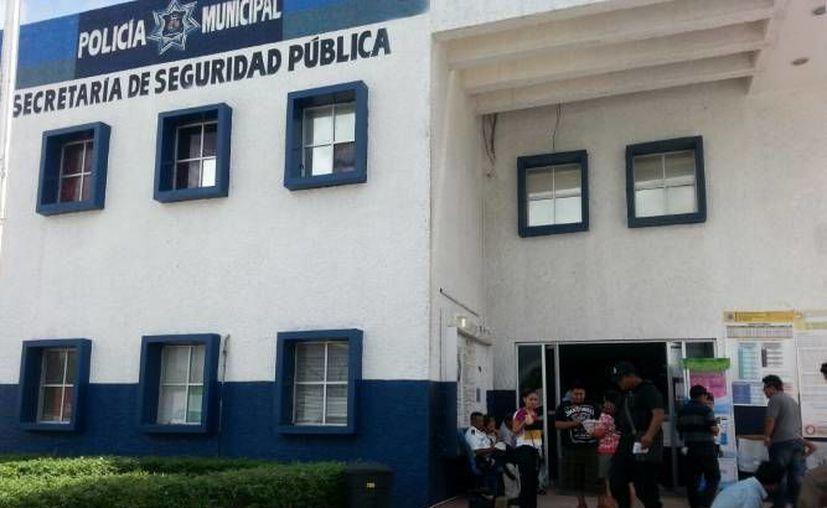 El joven fue trasladado a la Secretaría Municipal de Seguridad Pública y Tránsito luego de su detención. (Redacción/SIPSE)