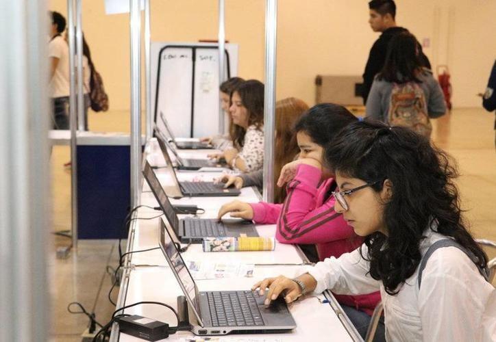 Actualmente, 'bachillerato en línea' cuenta con 217 estudiantes en los distintos niveles, incluyendo a los de revalidación de estudios. (SIPSE)