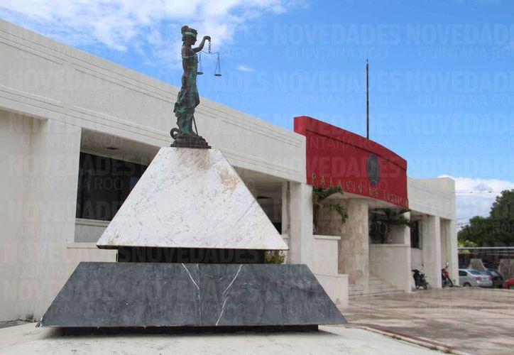 El magistrado Carlos Lima conservará su puesto dentro del del Tribunal Superior de Justicia del Estado. (David De La Fuente/SIPSE)