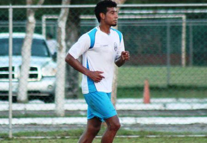 """""""Nacho"""" es un conocido de la institución, pues defendió los colores meridanos en los campeonatos Apertura 2012 y Clausura 2013. (Milenio Novedades)"""