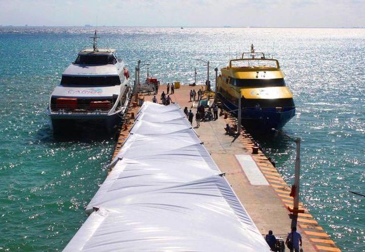 La iniciativa Privada asegura que las falsas noticias afectan al turismo al no abordar los ferrys que los trasladan a Cozumel. (Foto: Contexto)