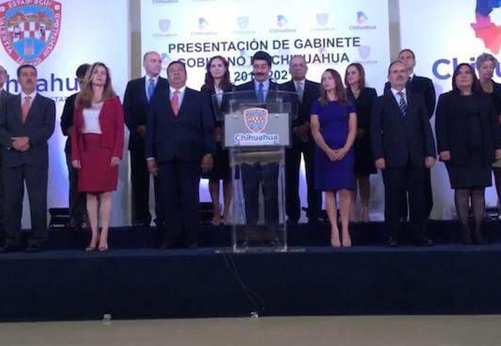 Javier Corral informó vía Twitter que ocho hombres y ocho mujeres serán los integrantes de su Gabinete. (@Javier_Corral)