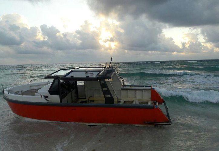 La nave se encontraba en calidad de abandono, presumiblemente llevaba mucho tiempo a la deriva. (Daniel Pacheco/ SIPSE)
