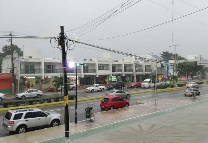 Los hoteles, comercios de artesanías y restaurantes fueron afectados por las precipitaciones pluviales. (Sara Cauich/SIPSE)