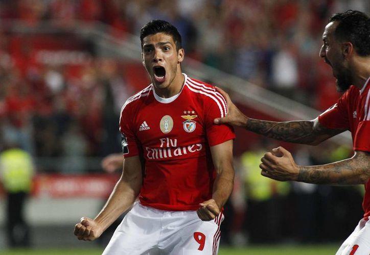 Benfica sigue como líder de la competencia con 73 unidades, faltando cinco jornadas para el final de la temporada. (AP)
