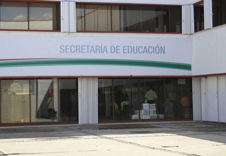 Las fechas de las juntas del reacomodo de plazas se darán a conocer antes de que concluya el ciclo escolar 2013-2014. (Harold Alcocer/SIPSE)