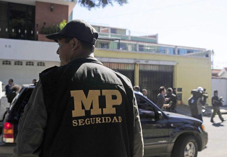 El director del Sistema Penitenciario, Édgar Camargo, fue detenido en un operativo en su residencia en el municipio de Mixco, del departamento central de Guatemala. La imagen es solo con fines ilustrativos. (EFE/Archivo)
