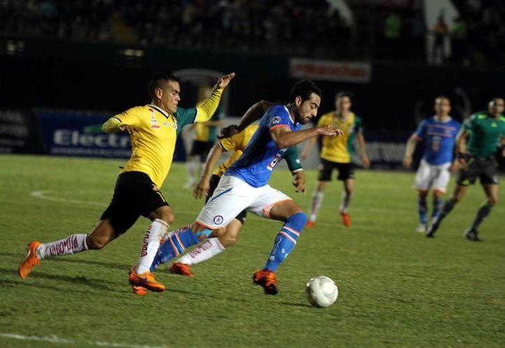 Aunque Cruz Azul se puso adelante, Venados pudo concretar al final y ganar en su primer partido de la Copa MX. (Foto: Notimex)