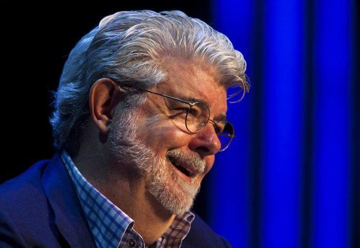 George Lucas se disculpó por criticar el tono <i>retro</i> de <i>Star Wars: The Force Awakens</i> y llamar <i>tratante de blancas</i> a Disney. (EFE)