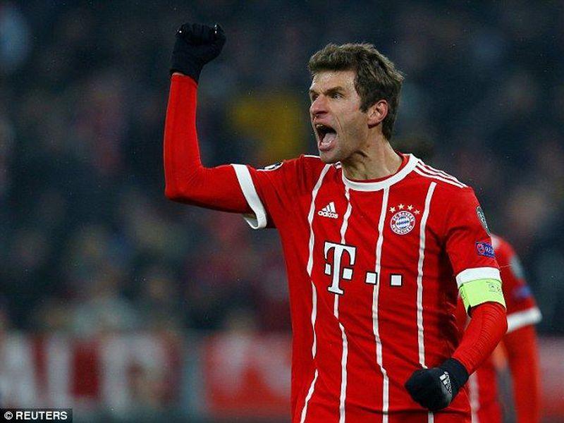 Thomas Muller no tomó muy bien que su equipo, el Bayern Munich, perdiera contra Eintracht Frankfurt. (Reuters)