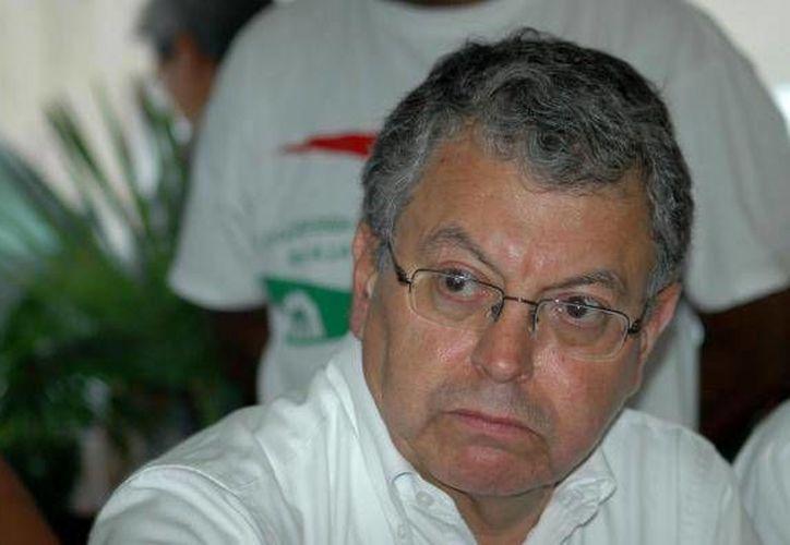 Camacho Quiroz indicó que se siente muy orgulloso de haber contribuido a parar una guerra tras los diálogos con el EZLN en Chiapas. (Archivo/SIPSE)