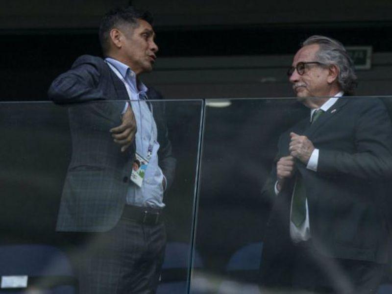 Para el exportero Jorge Campos hay directivos del futbol mexicano que no saben planear y eso afecta siempre al Tri (Foto imago)