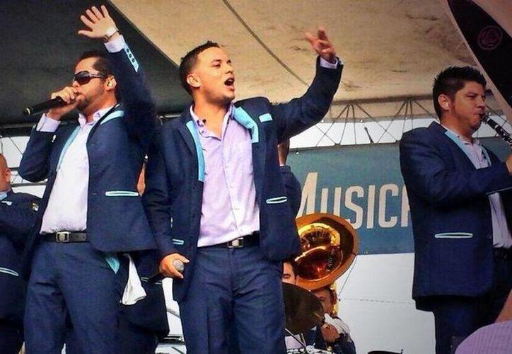 Con el lanzamiento de su nuevo disco, la banda fundada por don Salvador Lizarraga pretende llegar a los primeros lugares de popularidad en México y EU. (Facebook oficial)